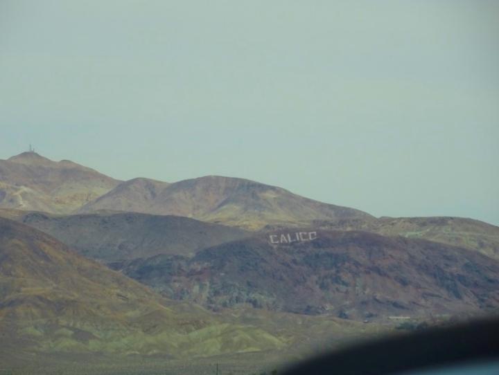 Da estrada você já percebe Calico