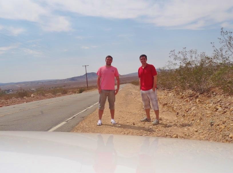 Estrada deserto de Monjave