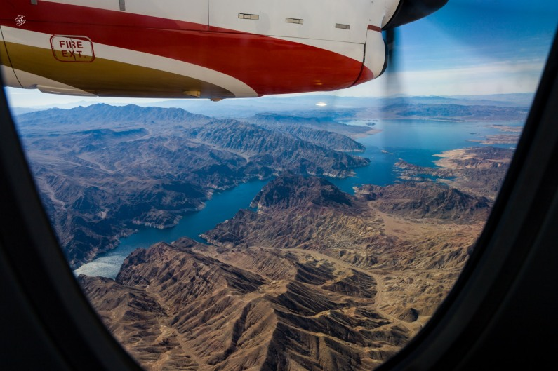 Agências de turismo oferecem vôos pelo Grand Canyon.