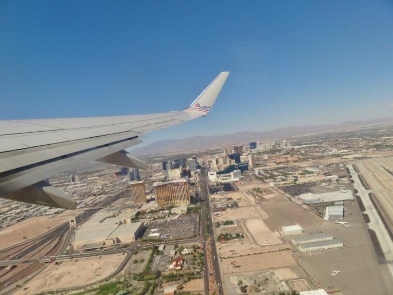 Vegas do alto. É possível ver a principal avenida da cidade.