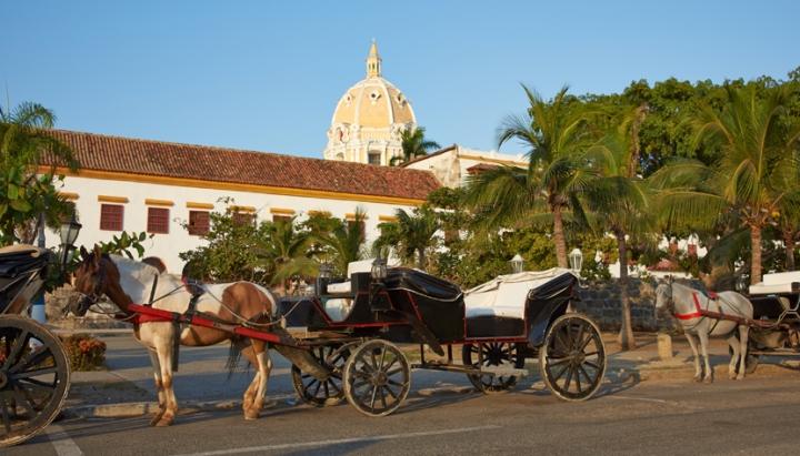 galeria-cartagena-colombia-passeio-carruagem-creditos-thinkstock-468651208