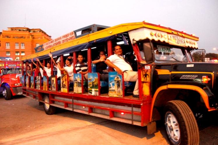 passeio-chiva-bus-cartagena